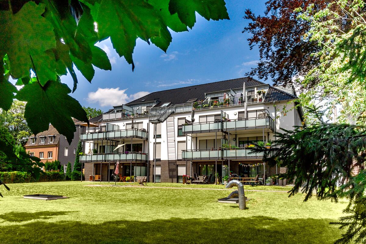 Rückansicht Mehrfamilienhaus mit Tiefgarage-Recklinghausen Blitzkuhlenstraße Hubert Milte